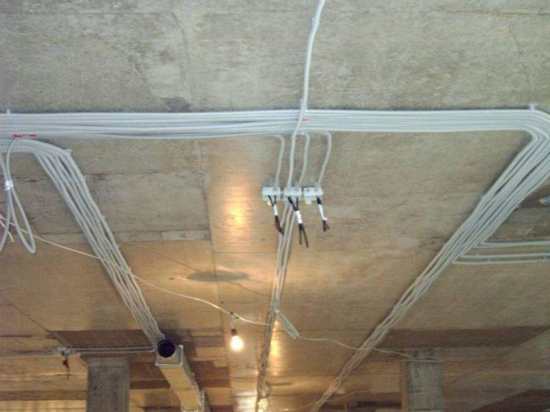 Прокладка проводки и электротехнические работы