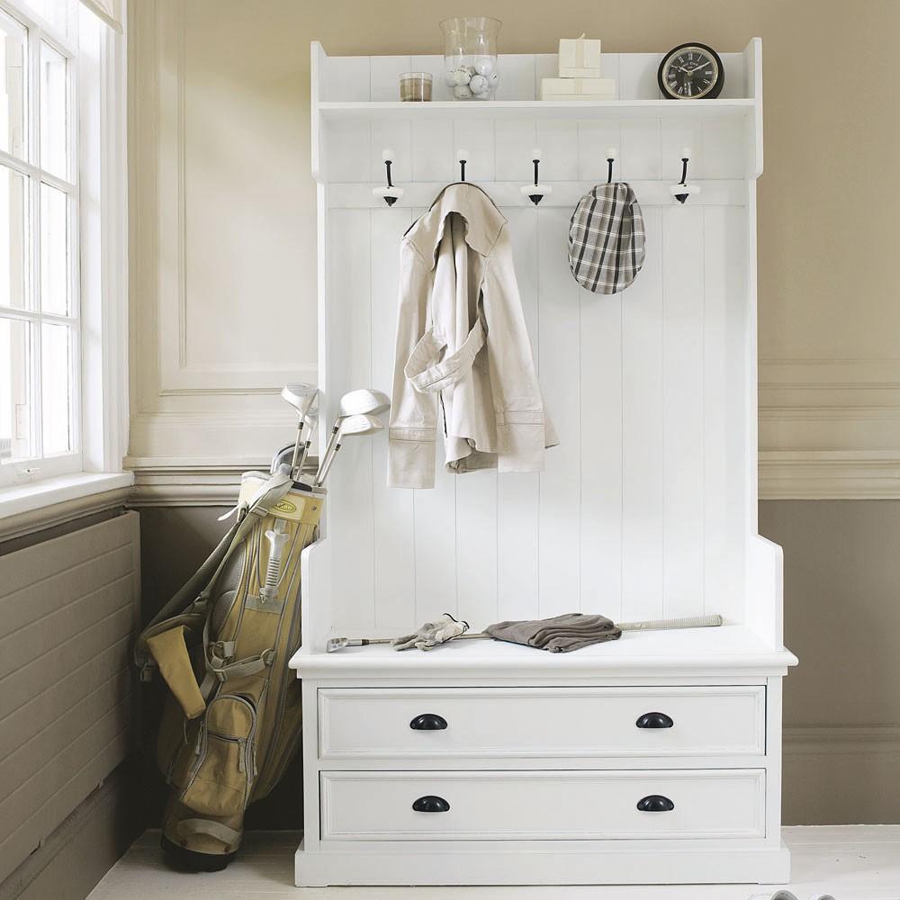 Шкаф в итальянском стиле для прихожей
