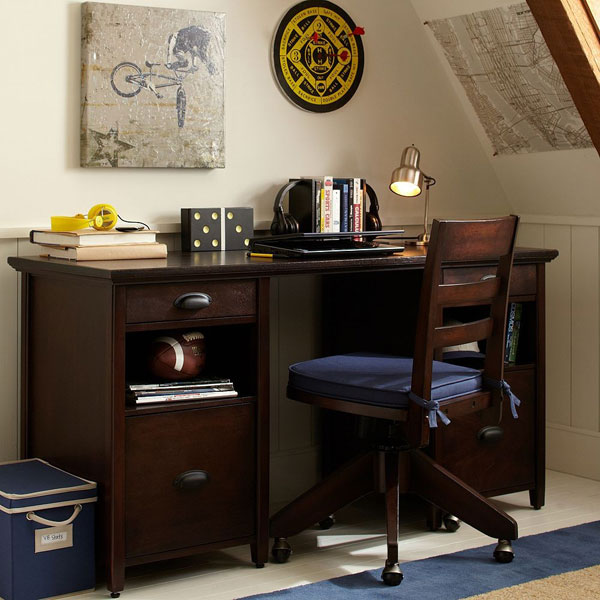 Выбираем письменный стол