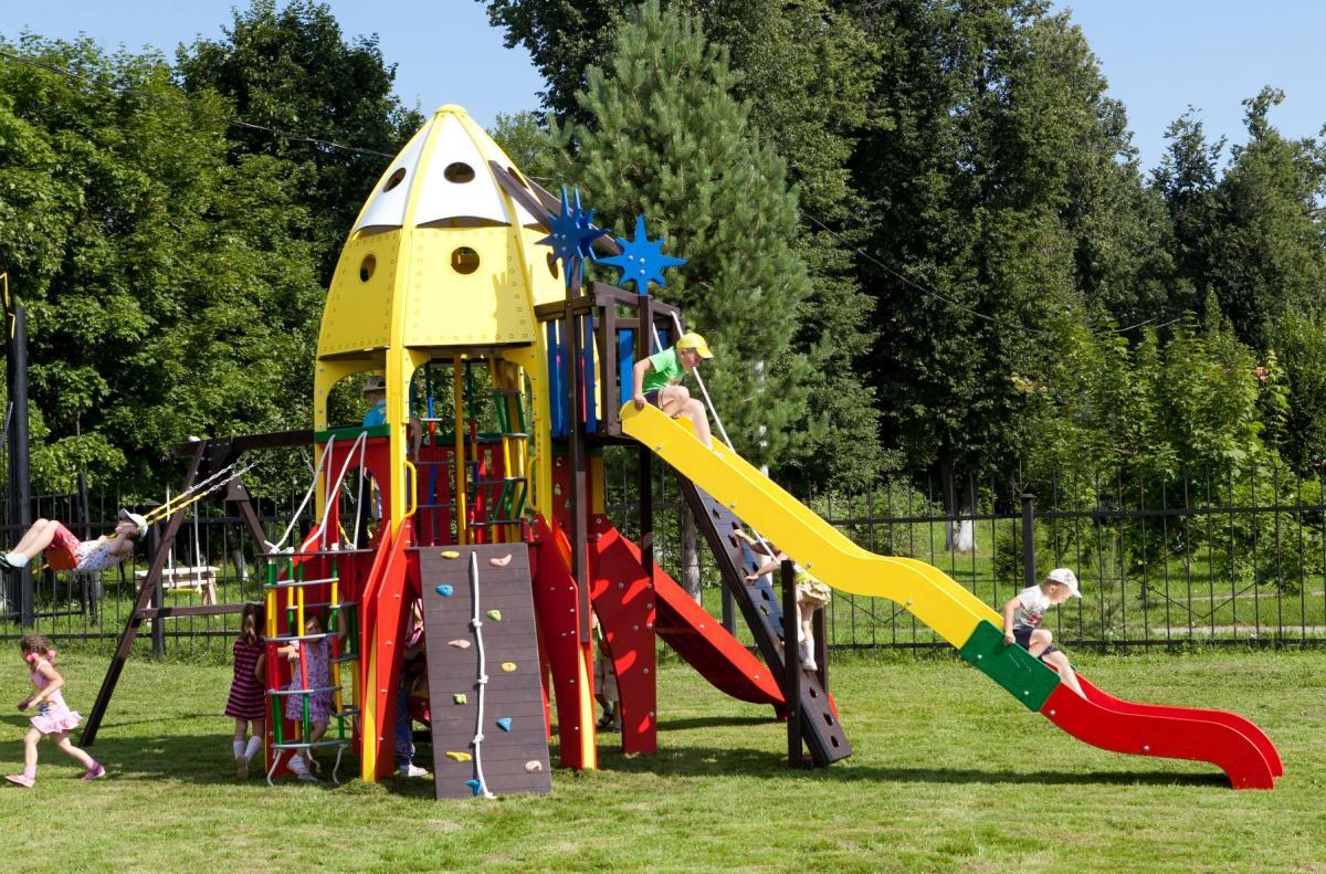 Строительство детской площадки на даче