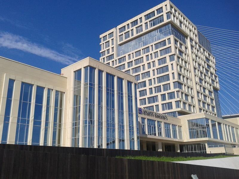 сооружение двух гостиниц «Хаятт»