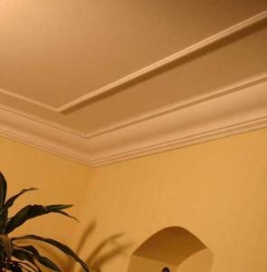 декоративный потолочный плинтус