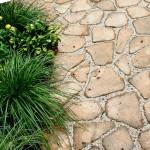 Лучшие материалы для садовой дорожки