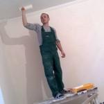 Покраска потолка руками начинающего маляра