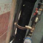 Обшивка труб в ванной