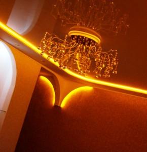 монтаж подсветки потолка светодиодной лентой