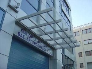 стеклянные козырьки и патио-навесы от компании ЮБК