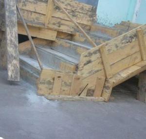 бетонирование ступеней крыльца