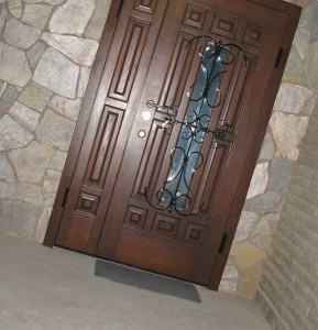 дизайн входных металлических дверей
