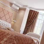 Интерьер спальни с эркером